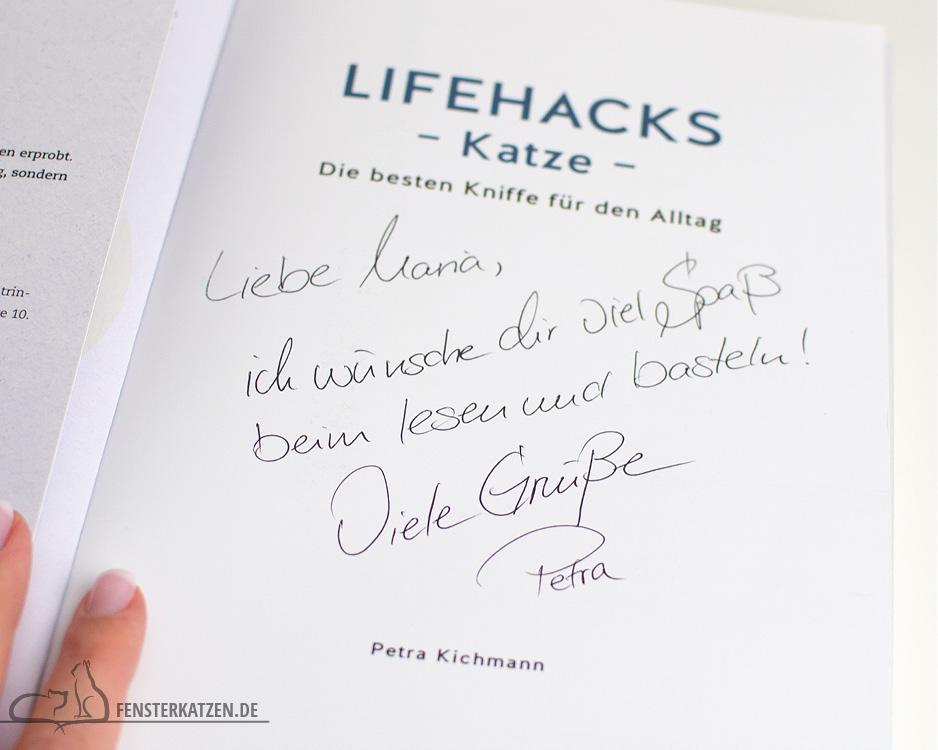 Fensterkatzen_Do-It-Yourself_Buch-Lifehacks-Katze_Gruß