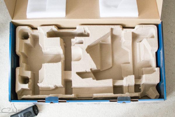 Fensterkatzen-Getestet-Akku-Staubsauger-SpeedPro-Max-Philips-Karton-leer-Fummelbrett