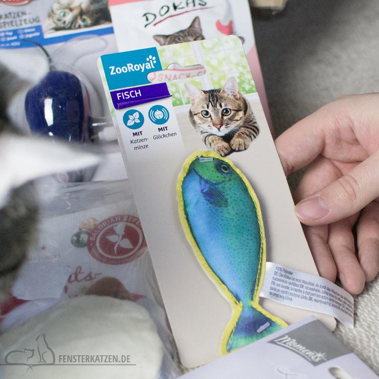 Fensterkatzen-Alltag-Tauschpaket-Katze-Kitten-Kater-Spielzeug-Fisch