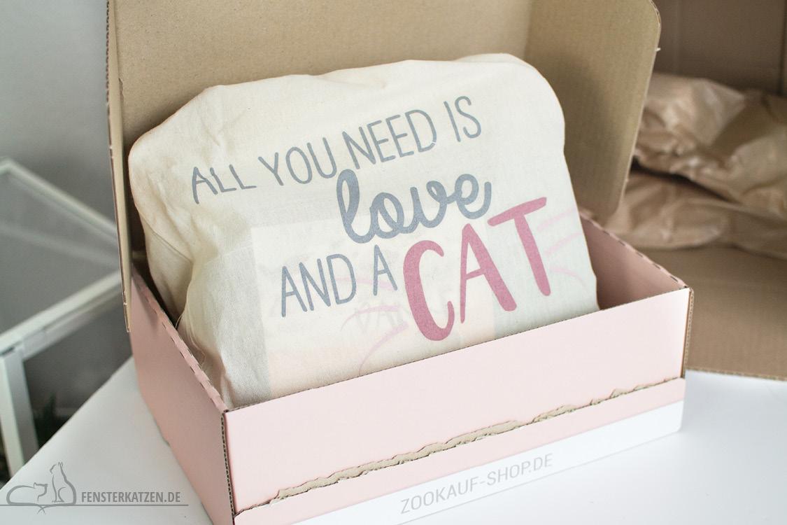 Fensterkatzen-Getestet-Goodie-Box-Zookauf-Shop-Beutel-Spruch-Inhalt