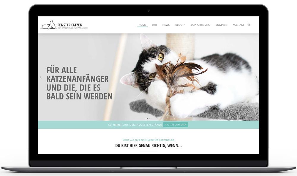 Fensterkatzen-Mockup-Laptop-Startseite