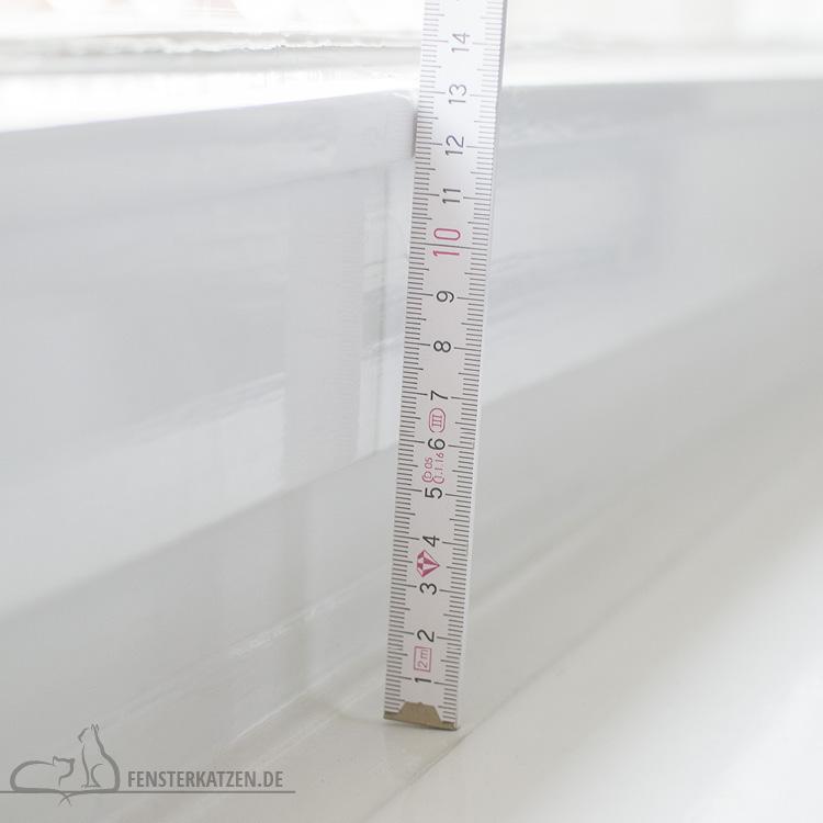Fensterkatzen-DIY-Fensterliege-hundkatzemaus-Fensterbank-Hoehe-Fensterfluegel