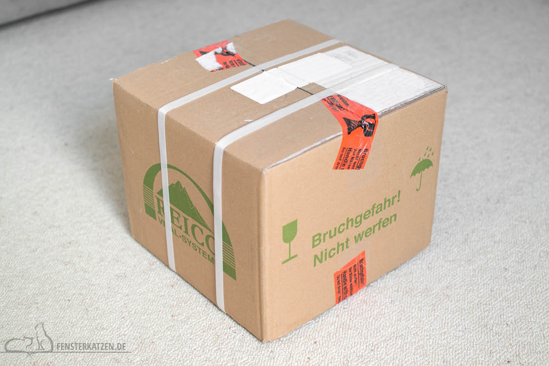 Fensterkatzen-Getestet-Katzenfutter-Leckerlis-Reico-Karton-geschlossen
