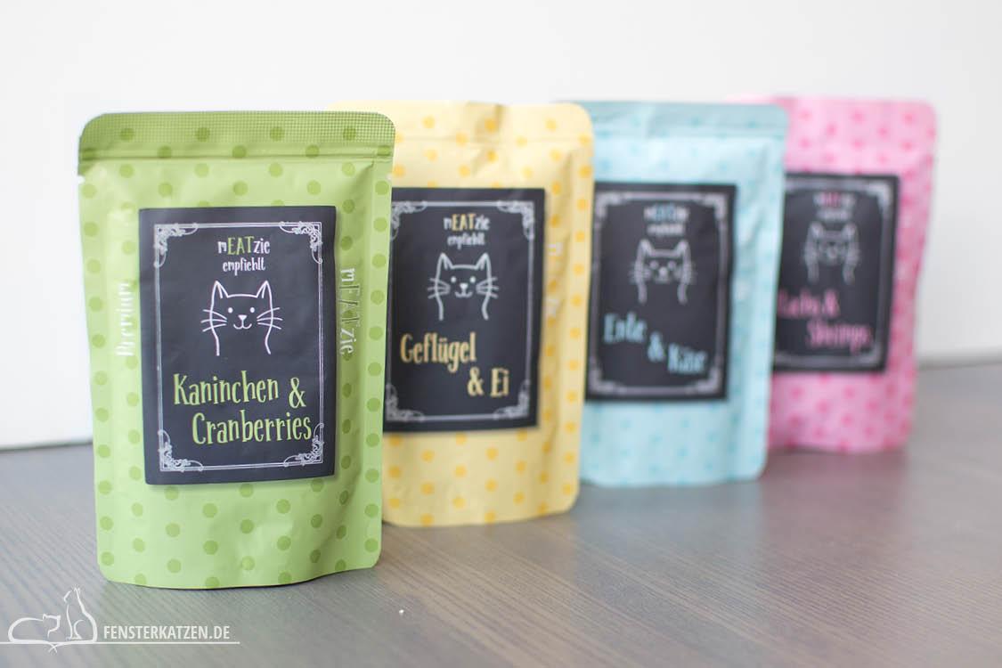 Fensterkatzen-Getestet-Katzenfutter-Leckerlis-Reico-Nassfutter-Meatzie-Uebersicht