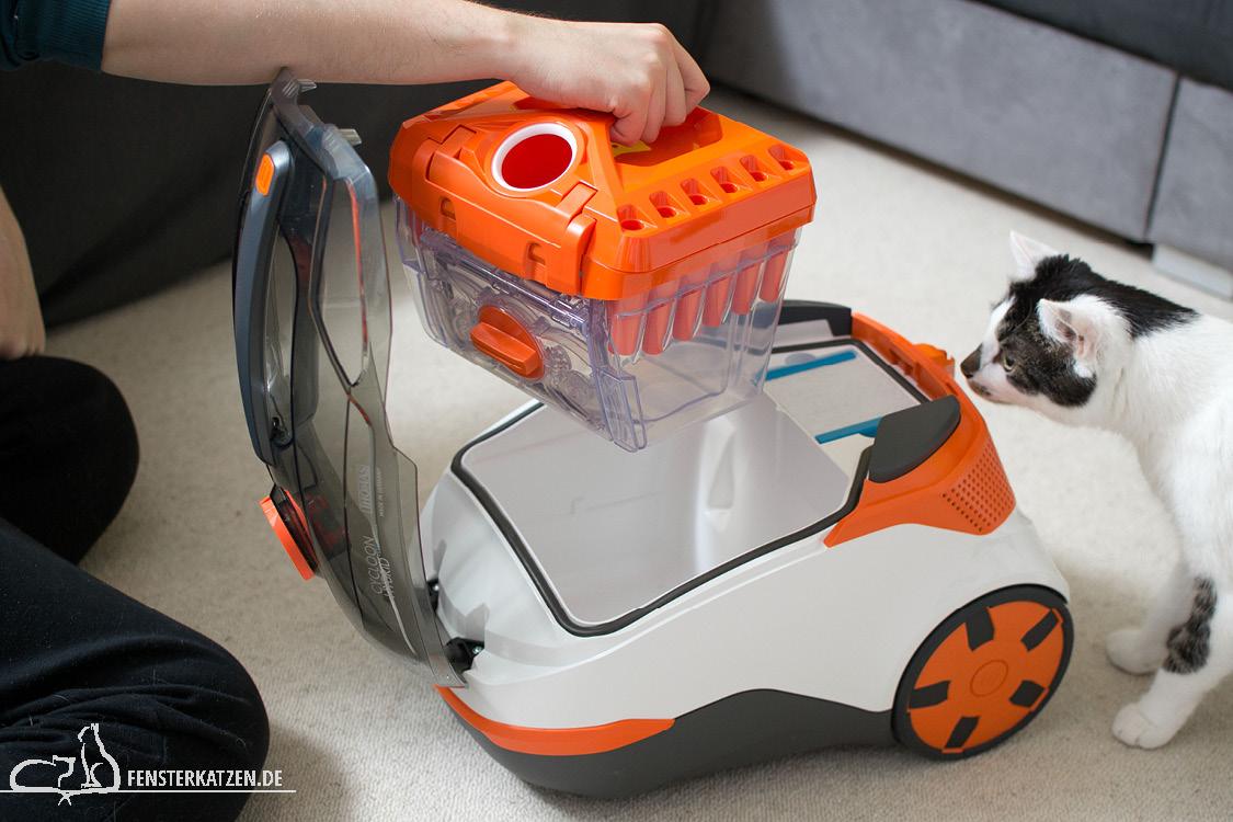 Fensterkatzen-Getestet-Cycloon-Hybrid-Pet-Friends-Thomas-easybox-rausnehmen