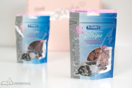 Fensterkatzen-Getestet-Goodie-Box-Zookauf-Shop-Dr-Clauders-Snakcs-Entenfilet-Würfel
